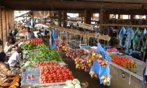Produce for sale at a market in Malawi. Credit, IFPRI.