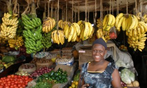 Fruit and vegetable market in Nairobi, Kenya. Credit, A. Vezina, Bioversity International.